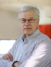 Bengt Holmstrom (1949-)