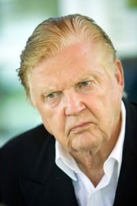Robert Mundell (1932-)