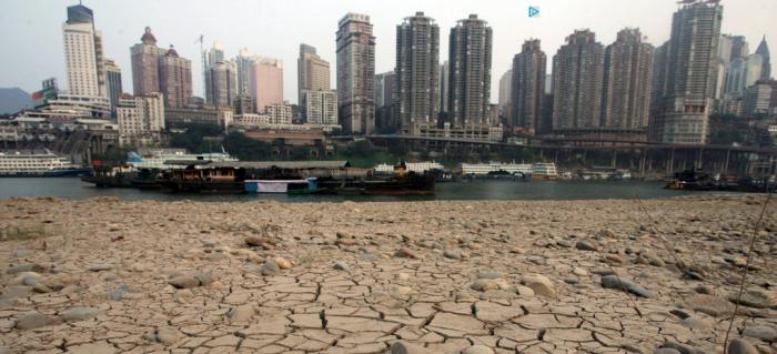 Việc cắt giảm nhanh lượng phát thải khí nhà kính toàn cầu để giảm thiểu nhiệt độ nóng lên là trọng tâm các cuộc đàm phán của COP21. ©LIFEN CHAU/FEATURECHINA-ROPI-REA