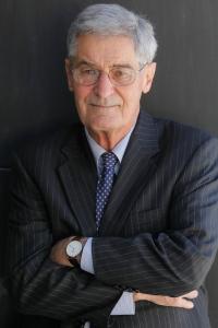 Robert Lucas (1937-)