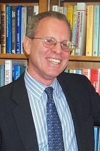 Robert Barro (1944-)