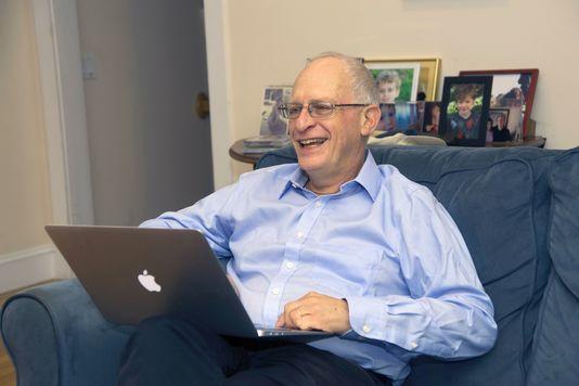 Oliver Hart, tại nhà riêng ở Massachussets, ngày 10.10. Jon Chase/AFP